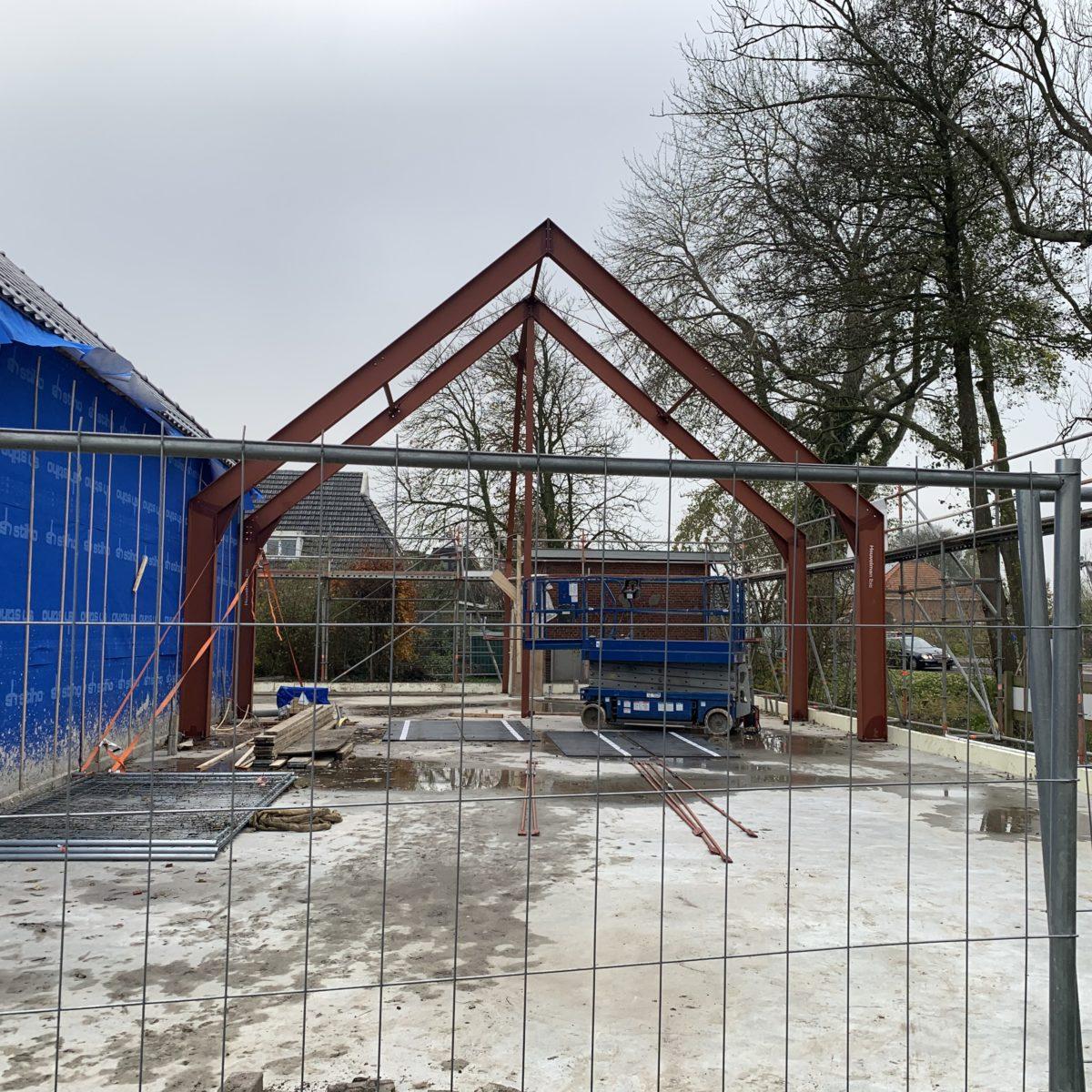 Stalen constructie nieuwe zaal
